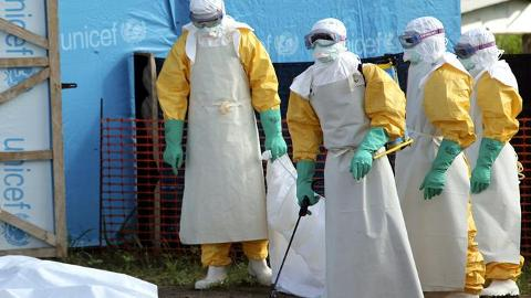Sierra Leone's top Ebola doctor gets virus